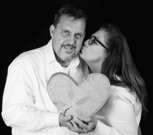 Sabine Lahme ist Inhaberin der Lebens-Linie. Düsseldorfs erste Adresse für Paar- und Eheberatung sowie Beziehungs-Coaching-Was hat eine gute Partnerschaft mit einem gesunden Herz zu tun?