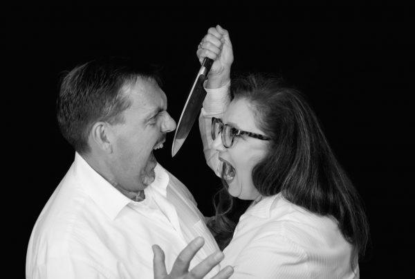 Sabine Lahme ist Inhaberin der Lebens-Linie. Düsseldorfs erste Adresse für Paar- und Eheberatung sowie Beziehungs-Coaching-Komm lass uns einen Rosenkrieg führen.