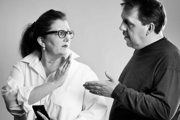 Sabine Lahme ist Inhaberin der Lebens-Linie. Düsseldorfs erste Adresse für Paar- und Eheberatung sowie Beziehungs-Coaching-Wie viel Geheimnis verträgt eine Beziehung?