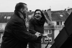 Sabine Lahme ist Inhaberin der Lebens-Linie | Beratung - Coaching - Wandel. Düsseldorfs erste Adresse für Paar- und Eheberatung sowie Beziehungs-Coaching. – Optimismus, wie gelingt es zu vertrauen.