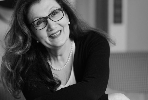 Sabine Lahme ist Inhaberin der Lebens-Linie. Düsseldorfs erste Adresse für Paar- und Eheberatung sowie Beziehungs-Coaching-Wer Lachen kann hat mehr Lebensfreude. Lachen unbedingt gestattet.