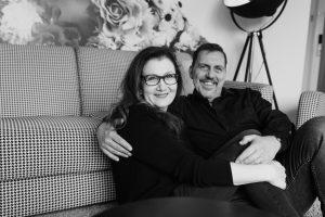 Sabine Lahme ist Inhaberin der Lebens-Linie. Düsseldorfs erste Adresse für Paar- und Eheberatung sowie Beziehungs-Coaching-Ist eine glückselige Partnerschaft ein Glücksfall?