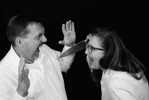 Sabine Lahme ist Inhaberin der Lebens-Linie. Düsseldorfs erste Adresse für Paar- und Eheberatung sowie Beziehungs-Coaching-Vorweihnachtszeit 2020-Toxische Beziehung