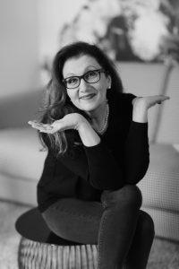 Sabine Lahme ist Inhaberin der Lebens-Linie. Düsseldorfs erste Adresse für Paar- und Eheberatung, Mediation sowie Beziehungs-Coaching – Veränderung, was sonst.