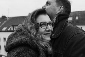 Sabine Lahme ist Inhaberin der Lebens-Linie. Düsseldorfs erste Adresse für Paar- und Eheberatung, Mediation sowie Beziehungs-Coaching – Liebesgeschichten, wie sie die nur das Leben schreiben kann.