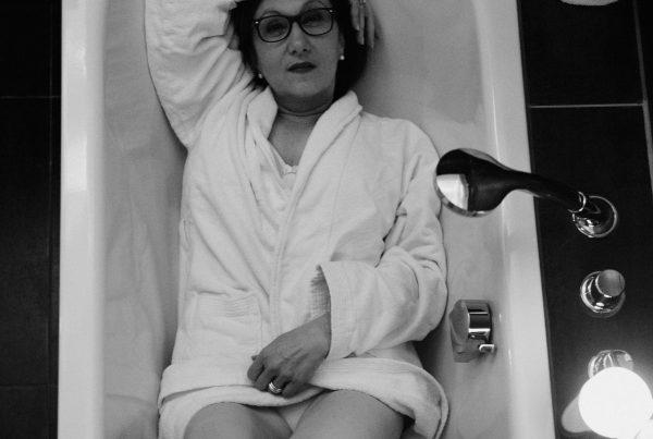Sabine Lahme ist Inhaberin der Lebens-Linie. Düsseldorfs erste Adresse für Paar- und Eheberatung, Mediation sowie Beziehungs-Coaching – Waldbaden